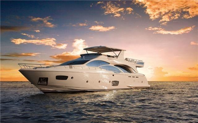 Renta de yates de lujo en Cancun tour de snorkel privado y charter a Isla Mujeres
