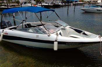 Renta-de-yates-en-Cancun,-renta-de-lancha-de-pesca-16-pies