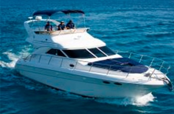 Sea Ray 40 en puerto aventuras