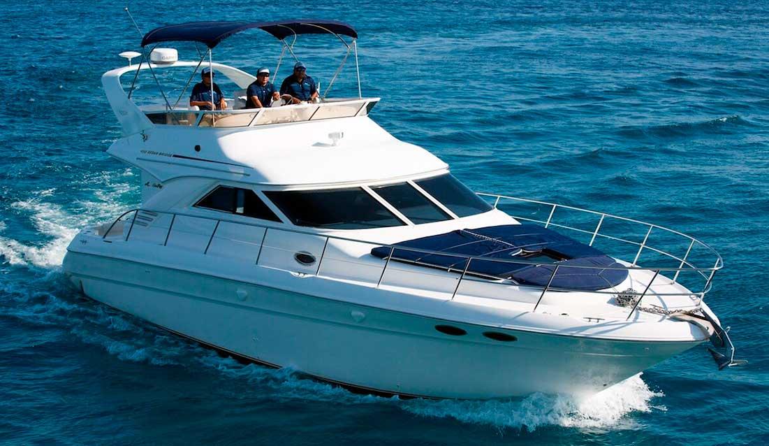 renta de yates en Cancun, Isla Mujeres y Cozumel puerto avuenturas puerto morelos playa del carmen akumal y tulum