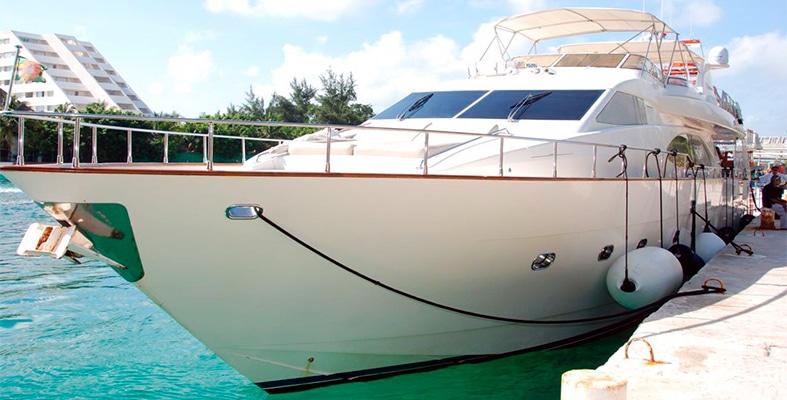 Renta de yates de lujo en cancun, riviera maya, isla mujeres, playa del carmen, puerto morelos, puerto aventuras, cozumel, Azimut 85 pies