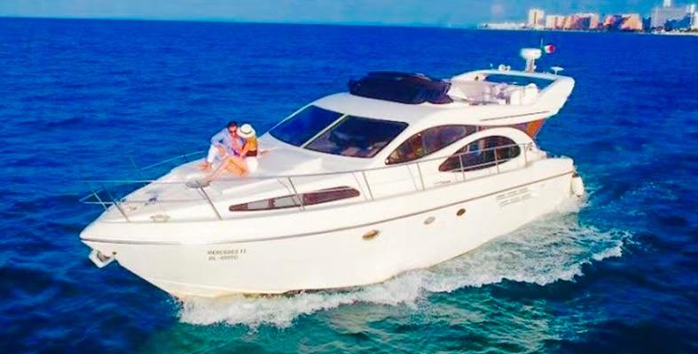 Renta de yates en cancun, de lujo , riviera maya, isla mujeres, playa del carmen, puerto morelos, puerto aventuras, cozumel, azimut 48 pies