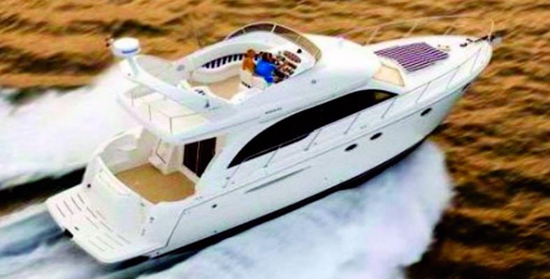 Renta de yates de lujo en cancun, riviera maya, isla mujeres, playa del carmen, puerto morelos, puerto aventuras, cozumel, meridian 46 pies