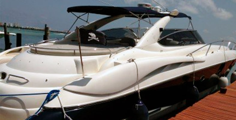 Renta de yates en cancun yate Sunseeker 74 pies, yates de lujo, charter privado, snorkel tour, boda en yate