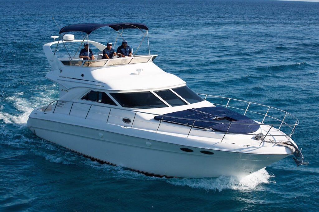renta de yate de lujo en Riviera Maya Sea Ray 40