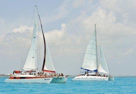 El mejor tour de snorkel en catamaran a isla mujeres y puerto aventuras