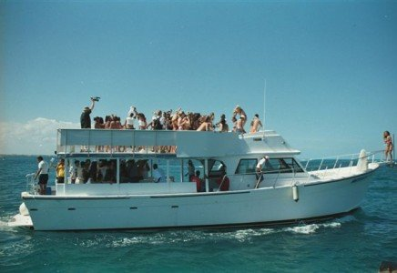 renta de barcos para grupos grandes en cancun