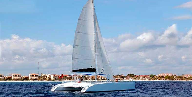 REnta de yates en Cancun, Renta de catamaran, grupos grandes, de lujo, puerto aventuras, riviera maya, barra libre, snorkel tour