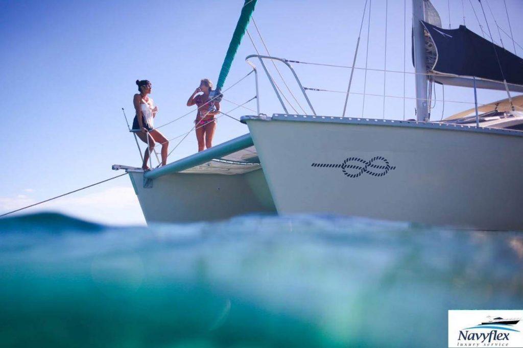 tour de snorkel en catamaran en puerto aventuras