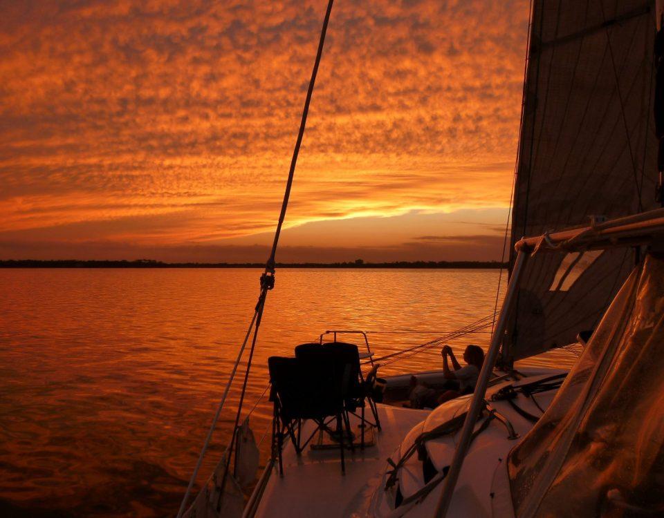 sunset-cruise-cancun-renta de yates en isla mujeres