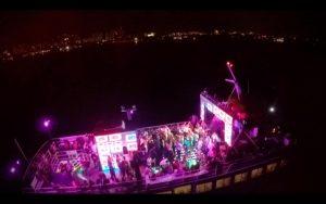 barco para eventos de noche en cancun