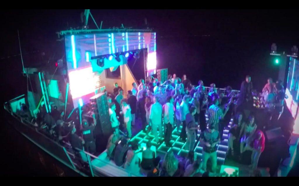 yate para bodas de noche en cancun