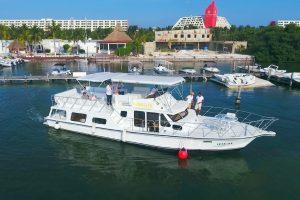 Renta de barco para grupos en Cancun 60 pax