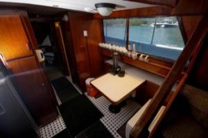 iterior de barco para grupos en Riviera Maya