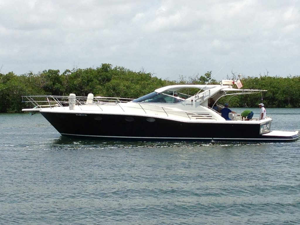 yate Dolphin Uniesse 48