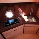 azimut 38 yate cocina
