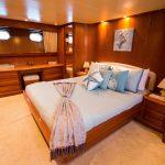 Canados 95 yate en renta los cabos camarote cama