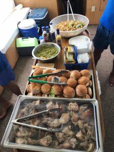 comida en el barco de grupos y eventos