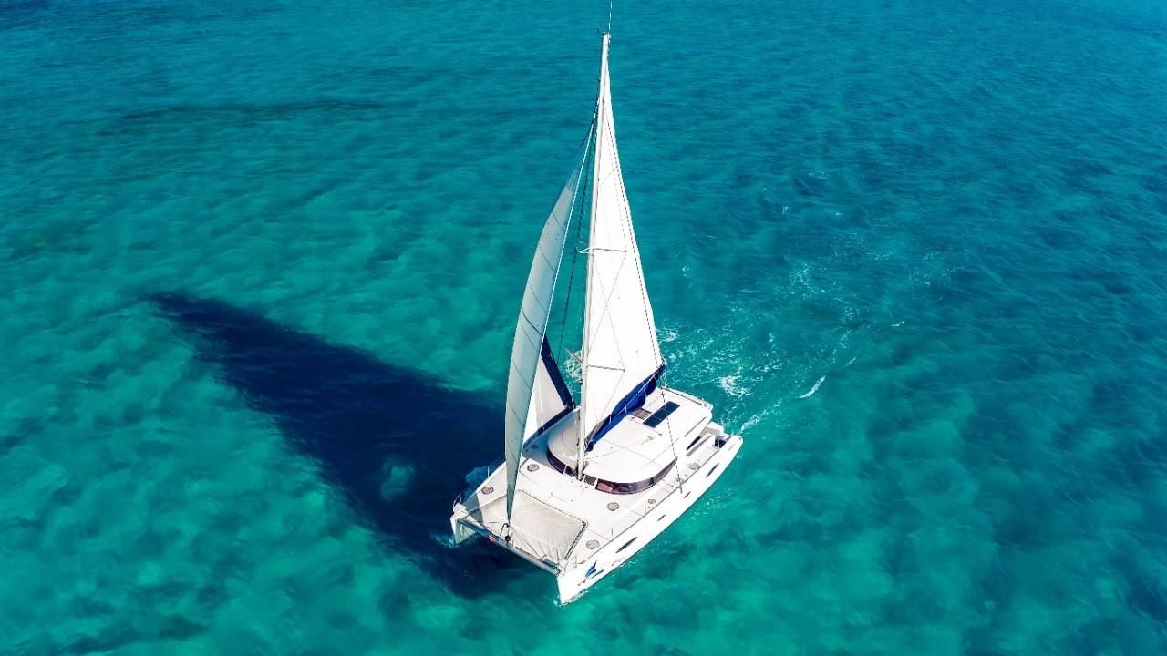 renta de catamaranes para grupos en cancun