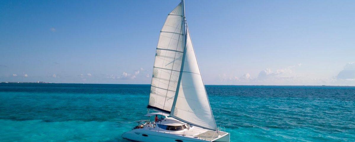 renta-de-catamaranes-en-Cancun-Kendo-40-pies
