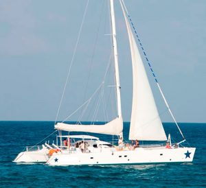 catamaran 68 pies en renta cancun