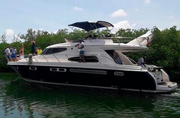 barcos para grupos en renta en cancun